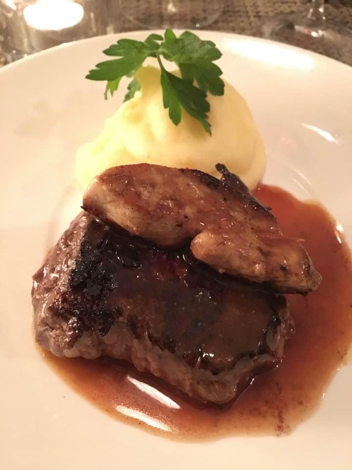 Le P'tit Troquet steak Rossini style